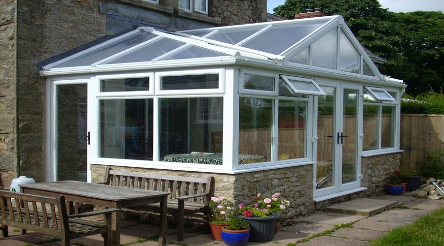 Giardino d inverno interno idee per il design della casa - Arredare giardino d inverno ...