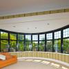 Finestre in alluminio adatte a qualunque contesto architettonico, con inglese e sopraluce